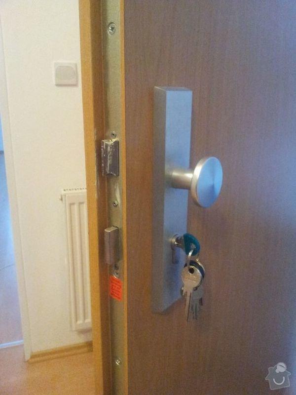 Výměna zámku u vstupních dvěří do bytu (vložky): 20140212_075959