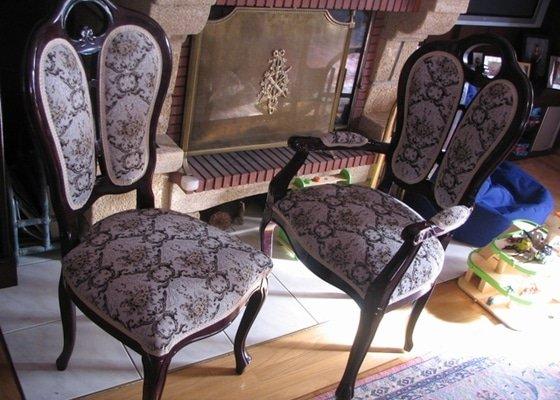 Nové čalounění 8 jídelních židli