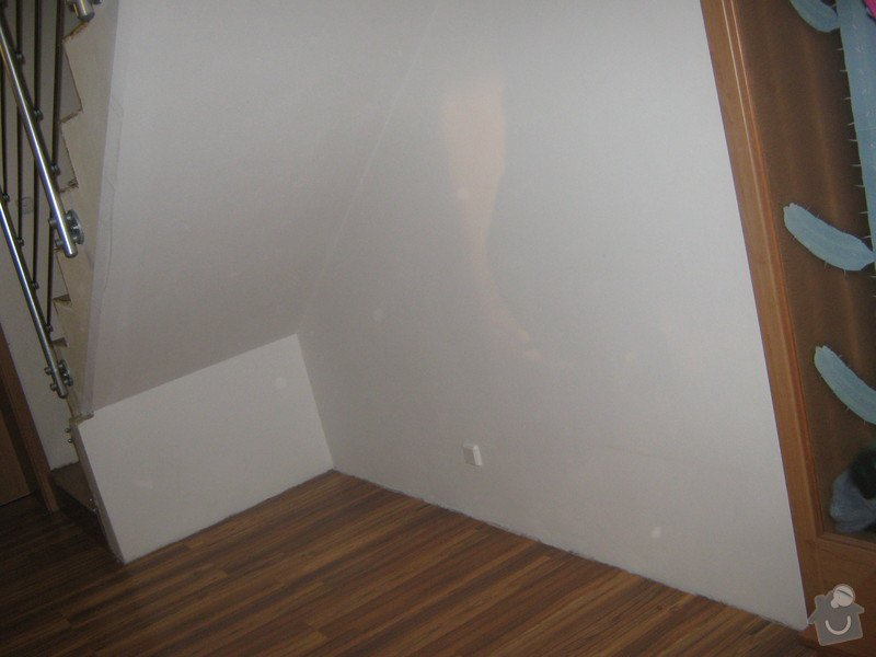 Skříň na míru do prostoru chodby pod schody: IMG_2272