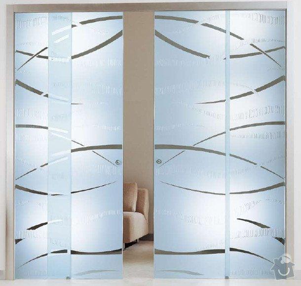 Skleněné posuvné dveře: living-room-glass-door-decorating-ideas-photo