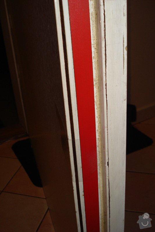 Přilepení desky protipožárních dveří: DSC03186