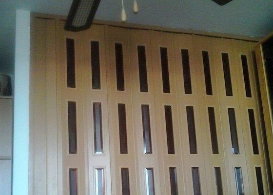 Montáž shrnovacích dveří