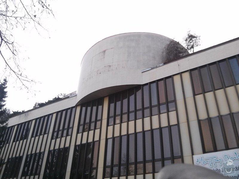 Odstranění  loga z fasády budovy: CAM00407