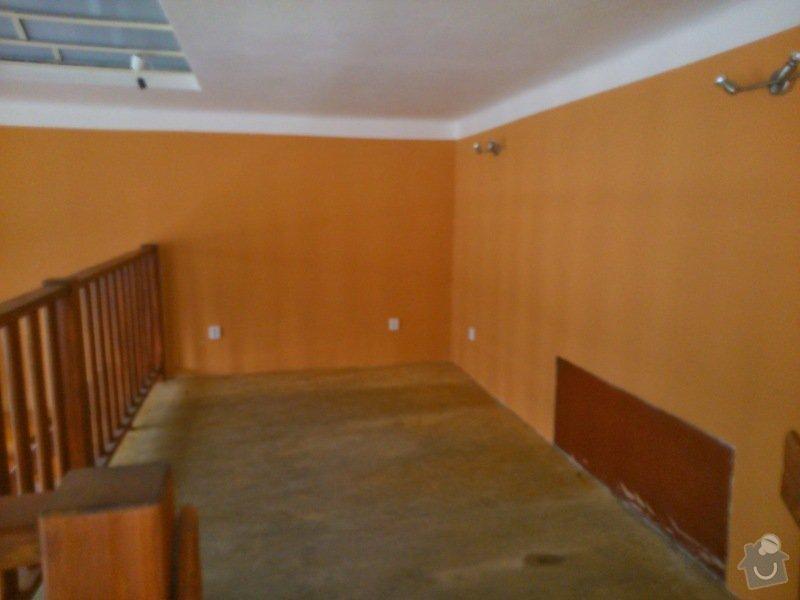 Stůl, podlaha - internetová místnost v kavárně: DSC_0207