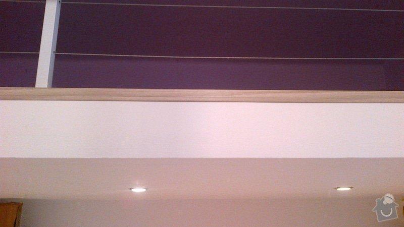Pokládka lina (gerflor?) v 1 pokoji s patrem (dohromady včetně patra cca 20 m2): podlaha-extra-lista-na-patre