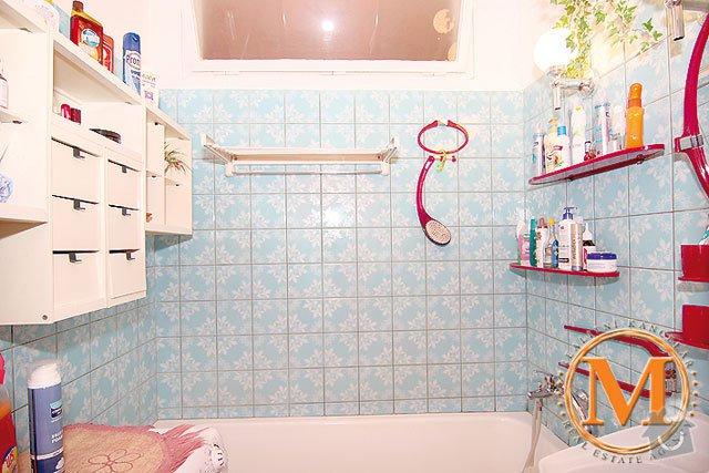 Rekonstukce koupelny: b54892w6