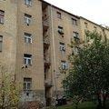 Opravu nateru drevenych oken a malovani v 5 bytech praha 3 zi dvorni fasada