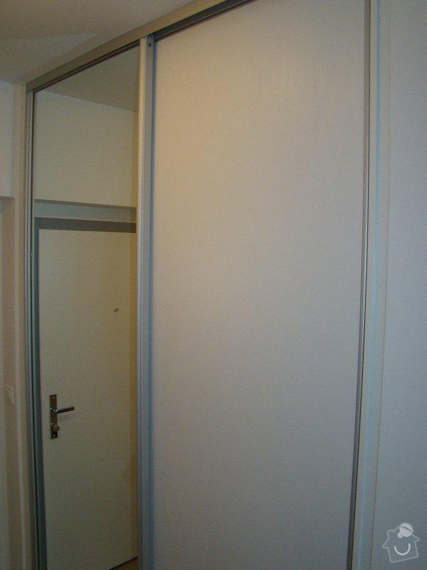 Vestavná skříň a koupelnový nábytek: DSC07532