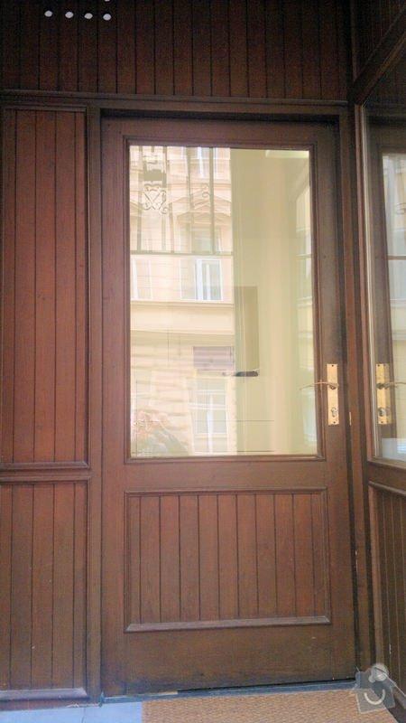 Výroba dřevěných dveří se zárubní a sklem: 2014-02-26-263