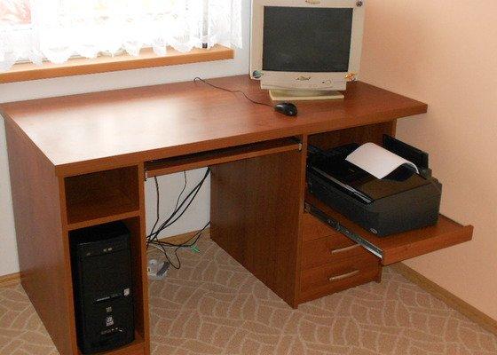 Výroba stolu pod PC