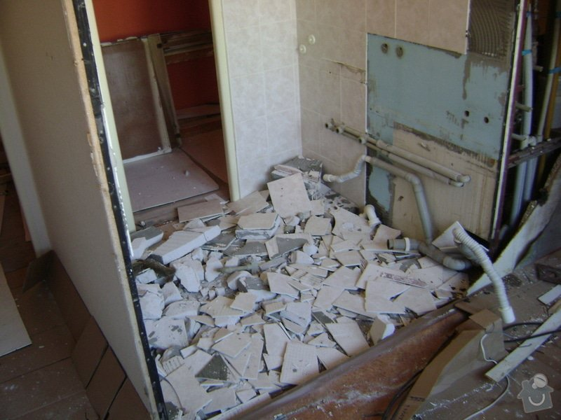 Rekonstrukce bytového jádra Kuchyňské Linky: DSC01288