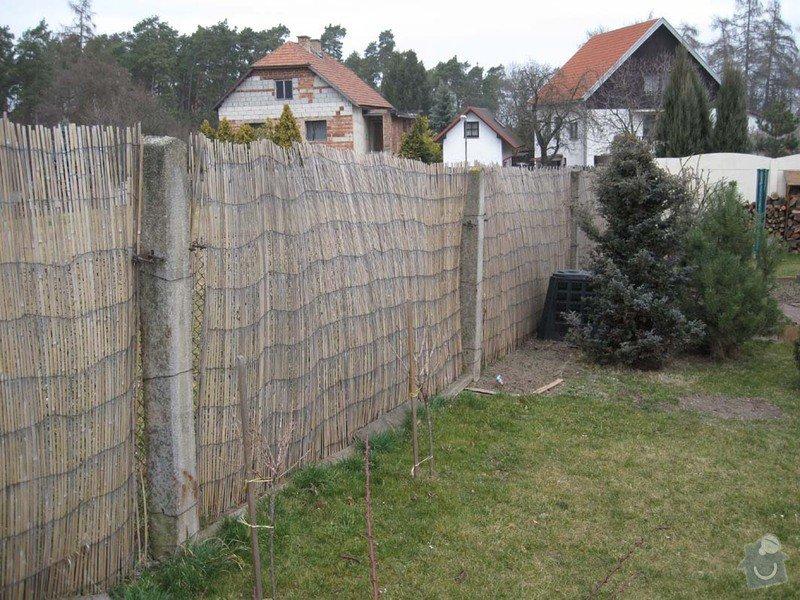 Betonovy plot na klic: Stav_zadni_plot_1