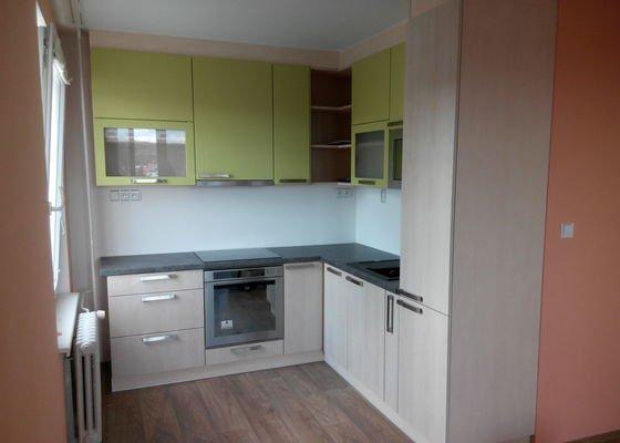 Rekonstrukce kuchyně, obýváku a chodby s ložnicí