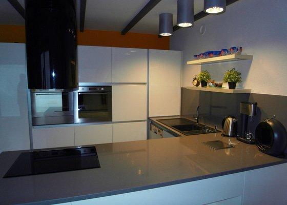 Výroba moderní kuchyně