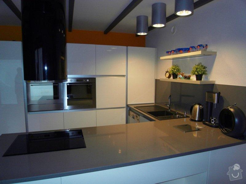 Výroba moderní kuchyně: SDC10181