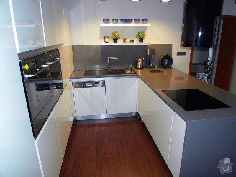 Výroba moderní kuchyně: SDC10183