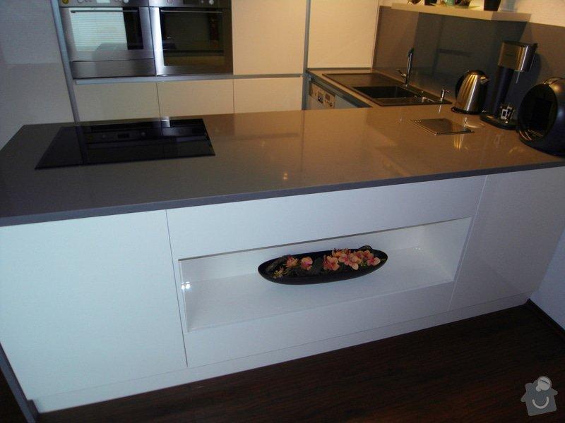 Výroba moderní kuchyně: SDC10180