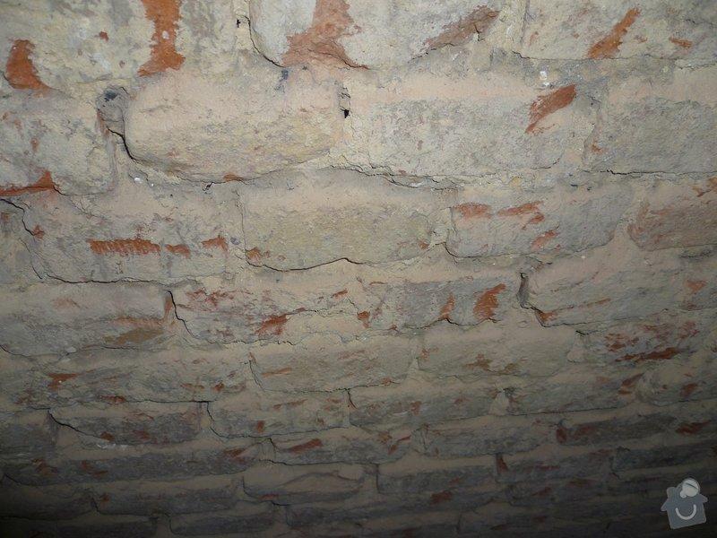 Oprava stěny - vydrolená malta: p1040304