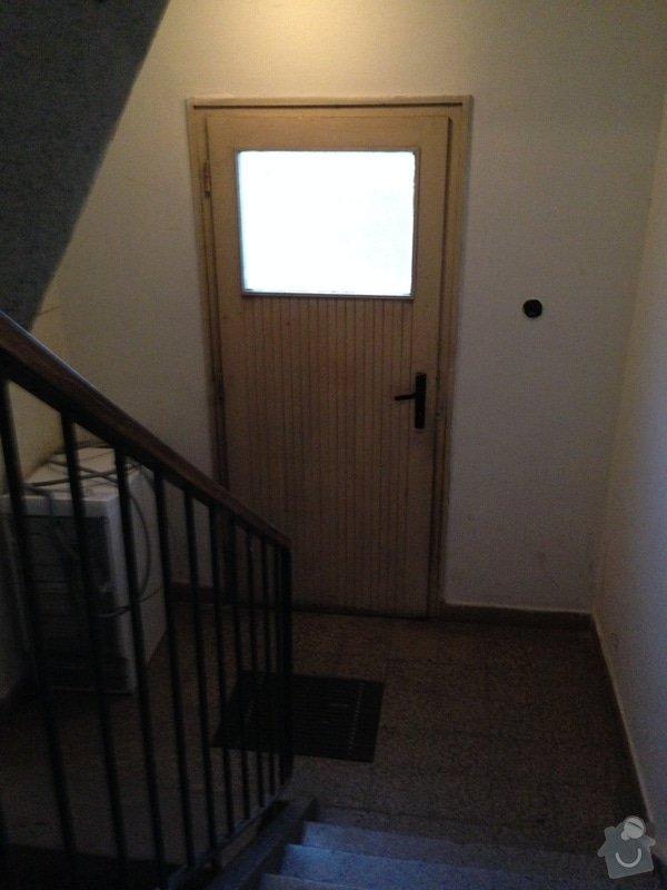 Rekonstrukce vstupních dveří a dveří do dvora: 2014-02-04_07.26.24