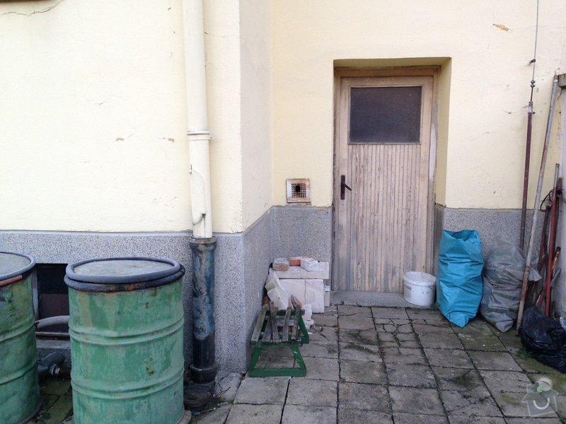 Rekonstrukce vstupních dveří a dveří do dvora: 2014-02-04_07.27.04
