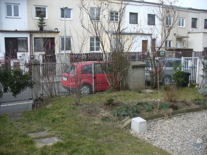 Stavbu plotu, délka 10,5m: P1220148