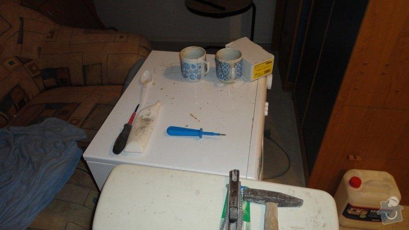 Rekonstrukce bytového jádra: nezakryta_pracka_2