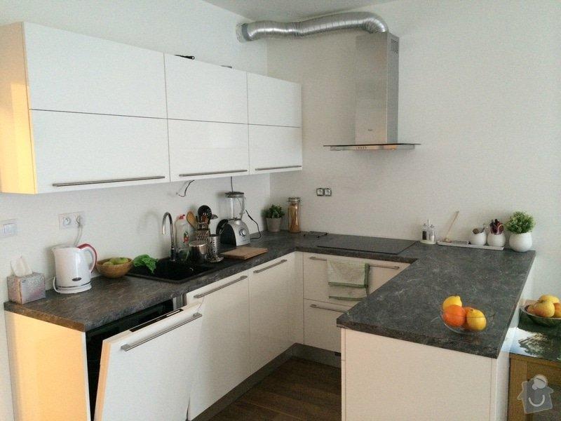 Skleněný obklad kuchyňské linky: IMG_0280