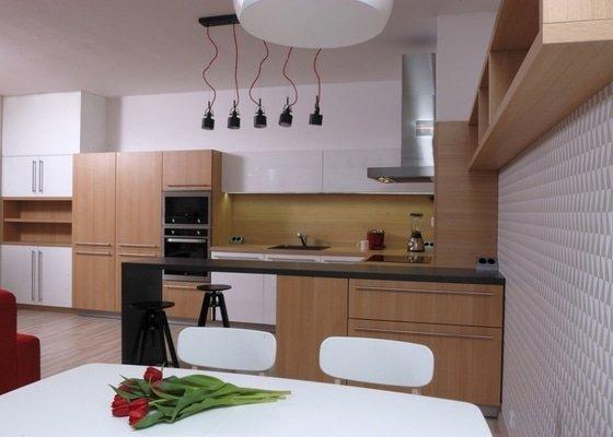 Designový návrh pokoje a kuchyně
