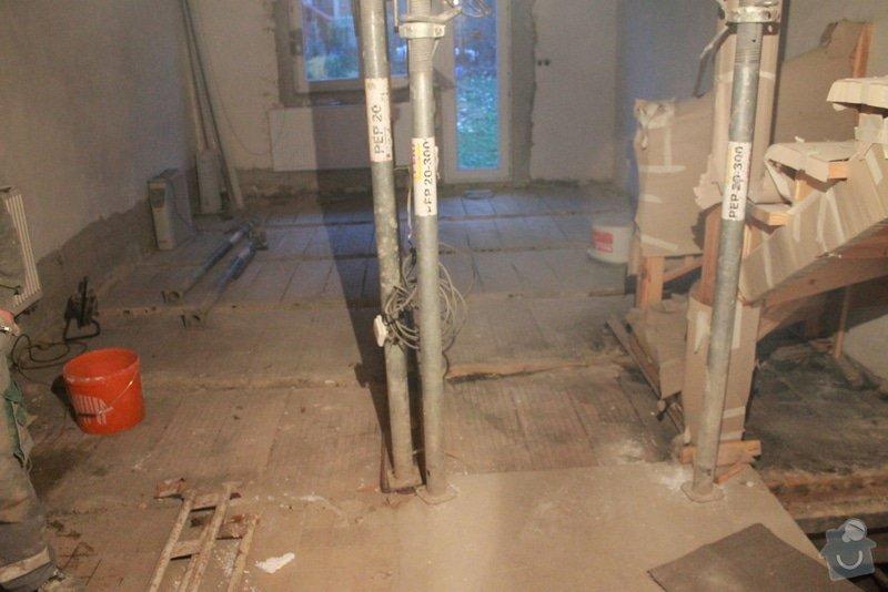 Rekonstrukce řadového RD.: 5.12.2013_012