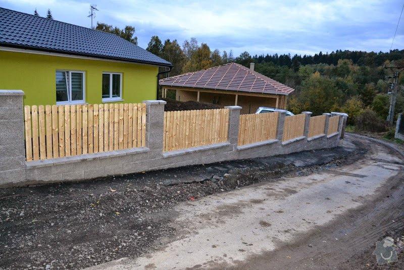 Přesun vjezdové brány, výstavba chodníku a dvou parkovacích míst, úprava terasy: DSC_7961