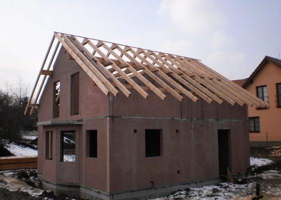 Střecha na novostavbě rodinného domu