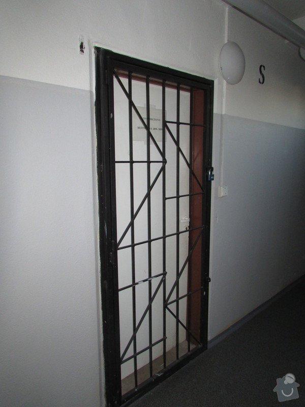 Lakýrnické práce na panelových domech: 016