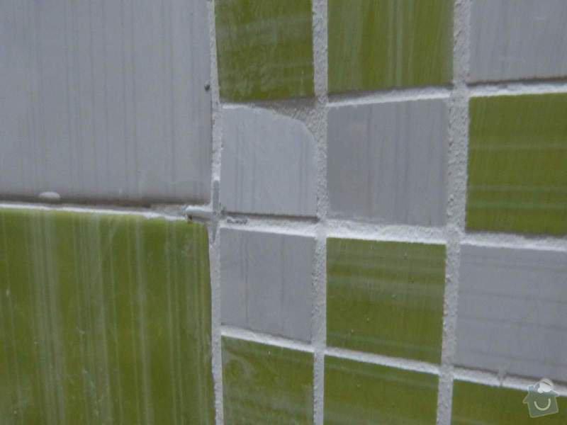 Obklady a dlažba v koupelně, dlažba v předsíni.: P1250931