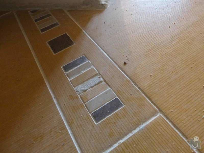 Obklady a dlažba v koupelně, dlažba v předsíni.: P1250943