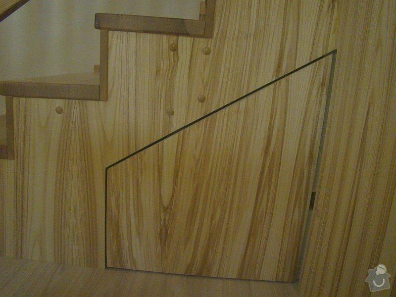 Dodávka dveří, podlah a obkladového schodiště: DSC08292-004