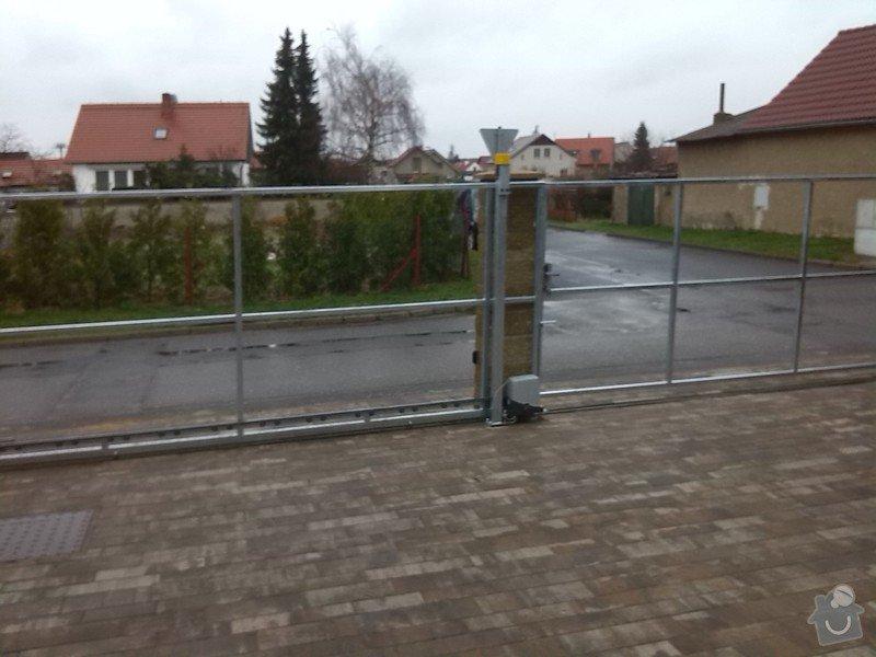 Branka,pojezdová brána,manuální brána.: IMG_20140324_092227