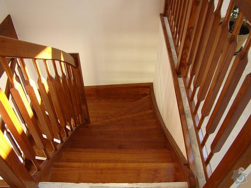 Dřevěné schodiště: DSC08185-010