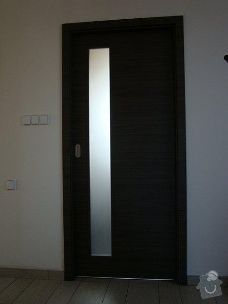 Dodávka samonosného schodiště a interiérových dveří: DSC08220-009