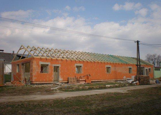 Výroba dřevěného krovu vč.dřevěného stropu,výroba zastřešené pergoly