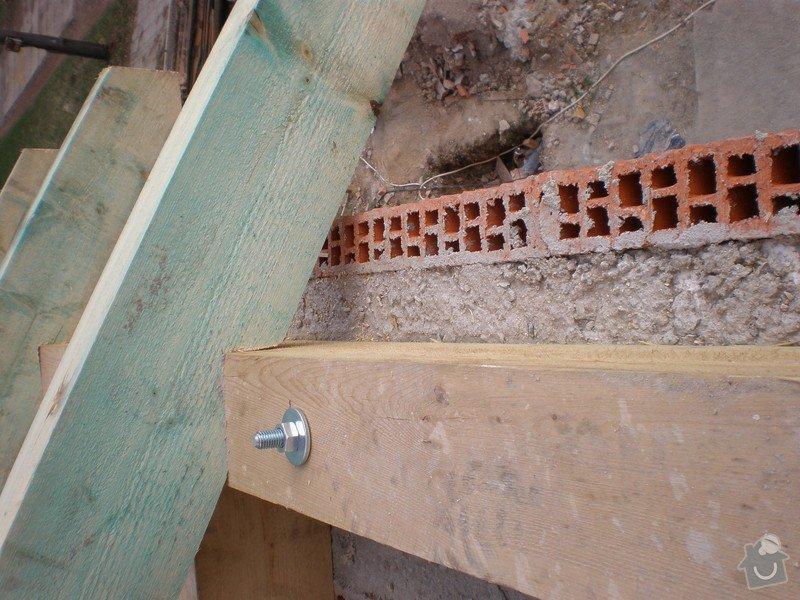 Výroba dřevěného krovu vč.dřevěného stropu,výroba zastřešené pergoly: P4030012