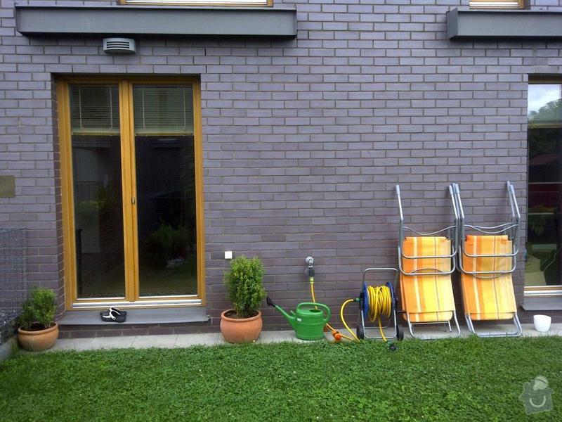 Terasa s krytou pergolou: Zahradka_2