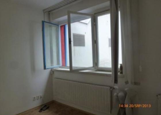 Rolety do pěti veřejí oken, bez vrtání