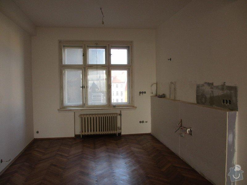 Klasicke latkove rolety: okno_kuchyn