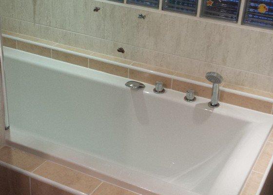Výměna vany, obklady, zdění