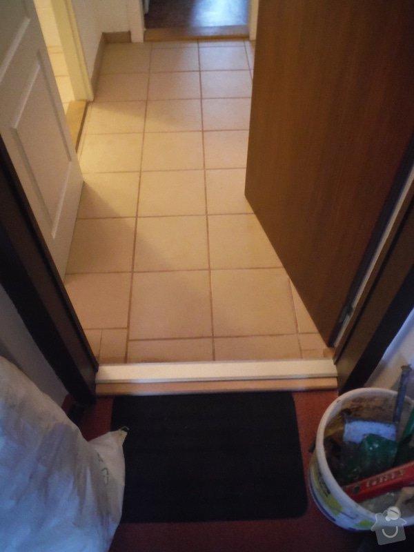 Tekoucí odpad sprchového koutu: DSCF0609