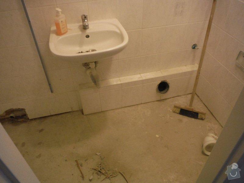 Tekoucí odpad sprchového koutu: DSCF0615