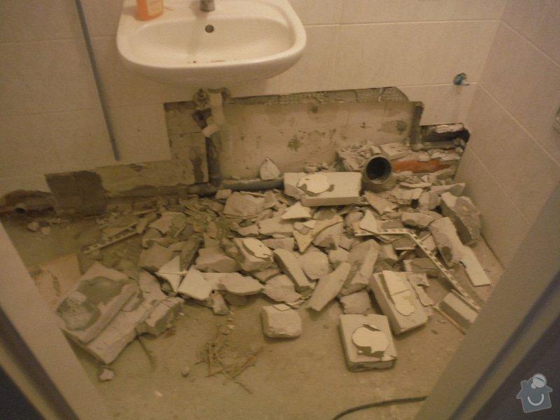 Tekoucí odpad sprchového koutu: DSCF0616