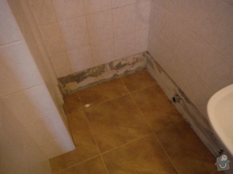 Tekoucí odpad sprchového koutu: DSCF0622