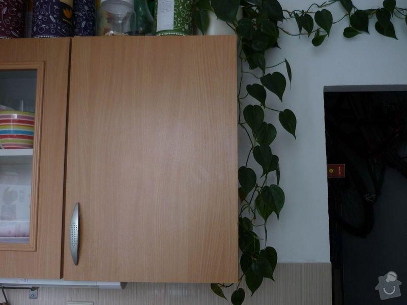 Rohová polička a volně stojící skřínka do kuchyně: P1030469