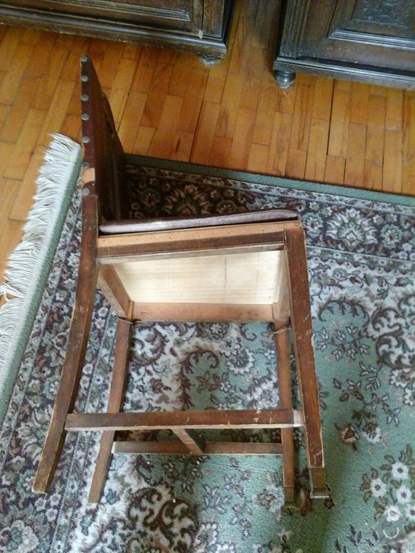 Opravu čalouněných židlí - renovace opěrných částí + sedáků.: 20140404_143517